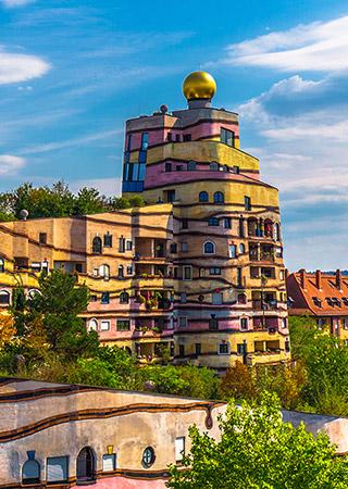 Darmstadt, Alemanha: Hundertwasser quer vizinhos dialogando