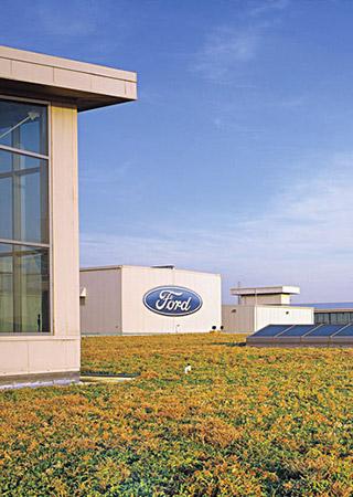 Dearborn, EUA: telhado de 4 hectares filtra água da chuva