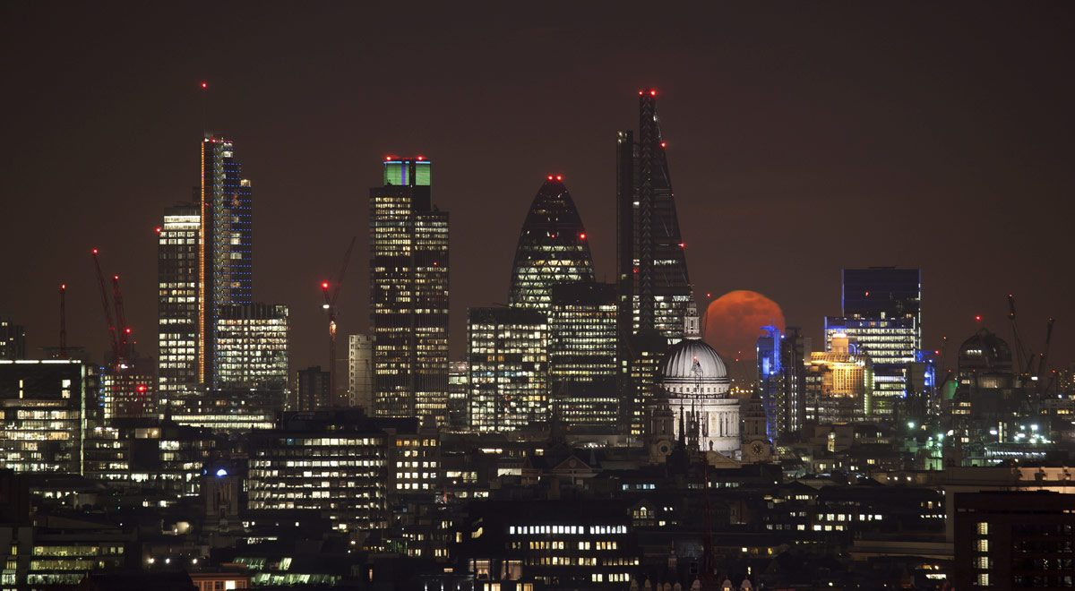 Red moon rising over London.