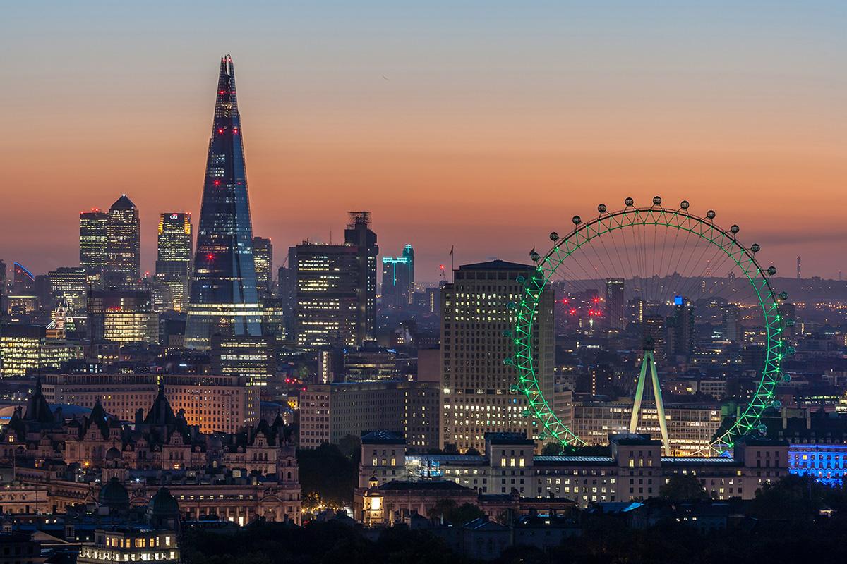 Stadtbeleuchtung bei Nacht: London