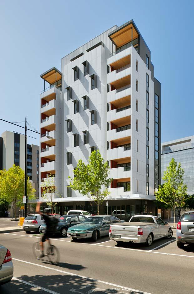 """澳大利亚墨尔本""""Forté""""木质公寓 – 10 层(9 层使用 CLT建造,1 层使用混凝土建造),2012年建成。"""