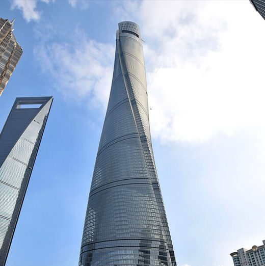 As voltas e reviravoltas da Shanghai Tower.