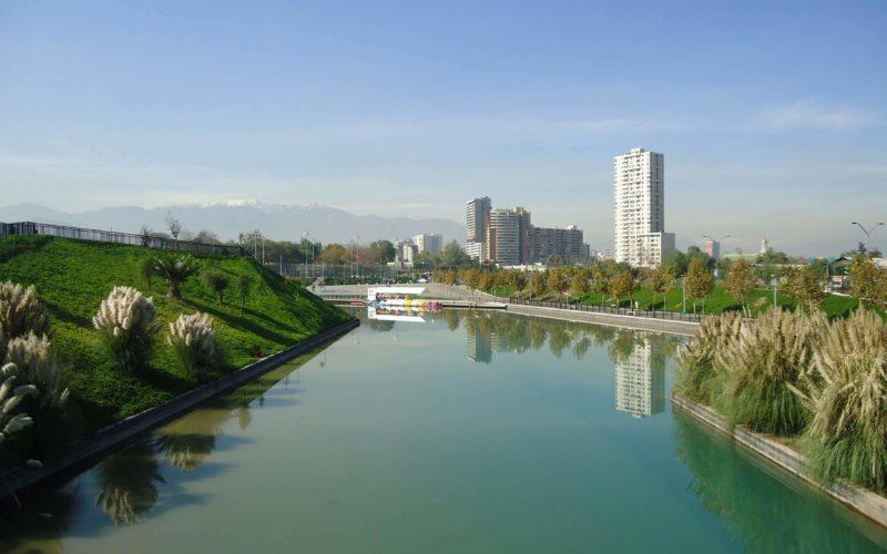 智利圣地亚哥 Padre Renato Poblete 河滨公园