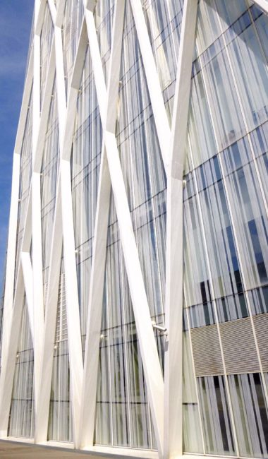 EMBA 建筑师事务所设计的巴塞罗那对角线大厦(Torre Diagonal ZeroZero)
