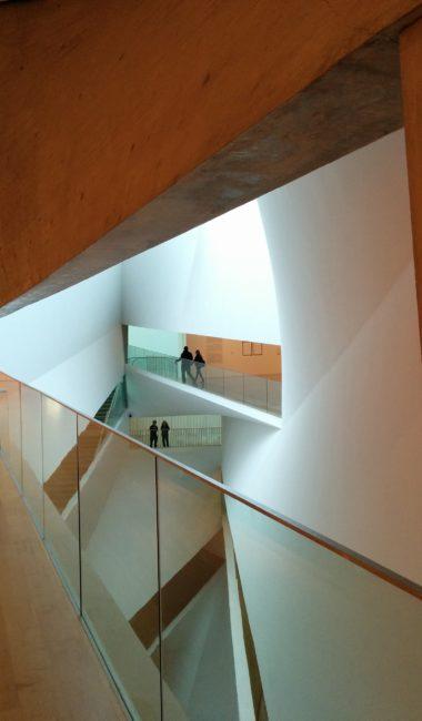 普雷斯顿·斯科特·科恩(Preston Scott Cohen)设计的特拉维夫艺术博物馆(Tel Aviv Museum of Art)
