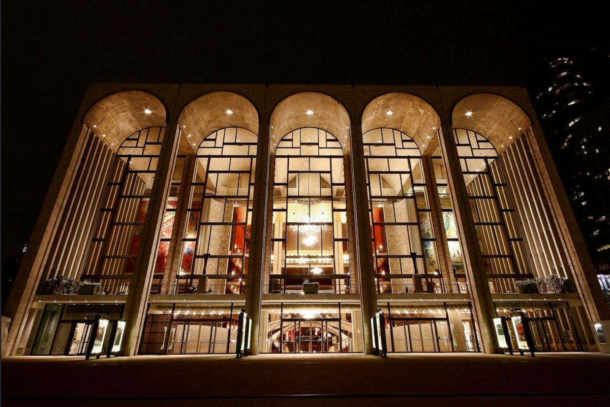 Metropolitan_Opera_House